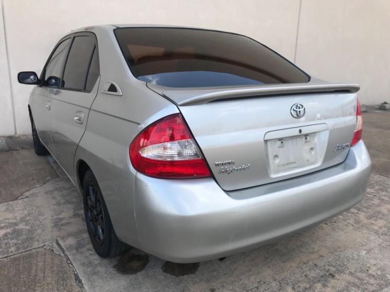 Toyota Prius 2001 price $1,995
