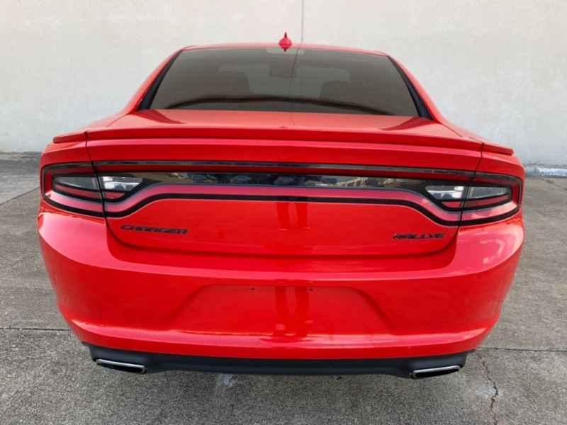 Dodge Charger 2015 price $17,499