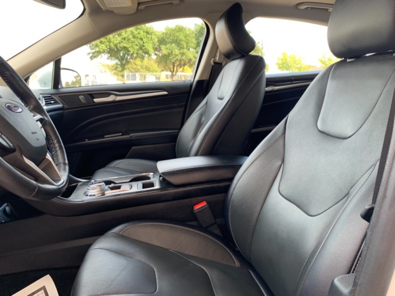 Ford Fusion 2018 price $16,995