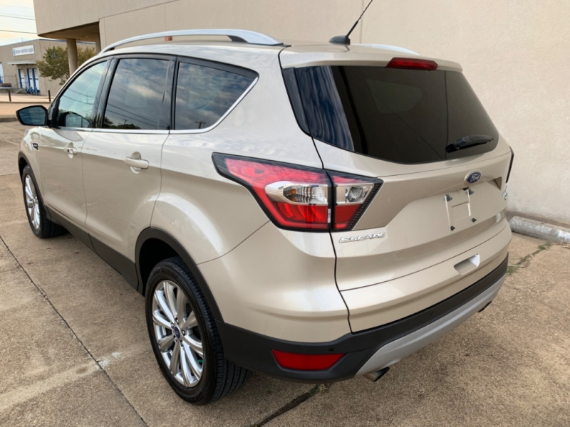 Ford Escape 2017 price $13,699