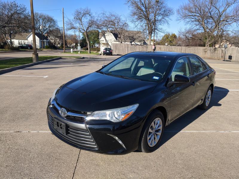 Toyota Camry 2016 price $12,700