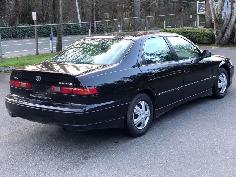 Toyota Camry 1998 price $2,650