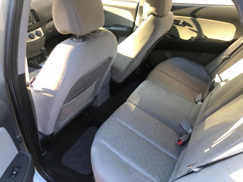 Hyundai Elantra 2010 price $5,250