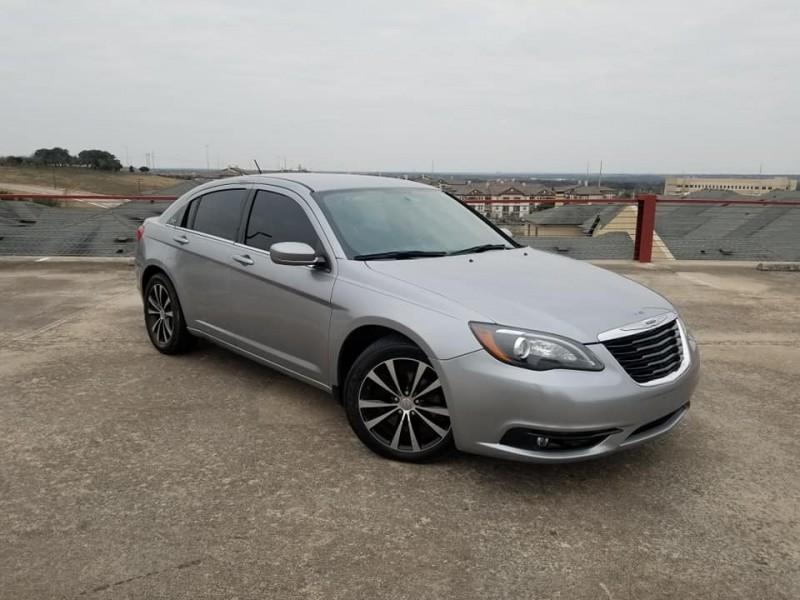 Chrysler 200 2014 price $5,999