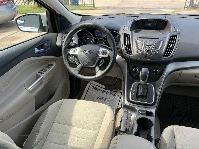 Ford Escape 2013 price $7,290