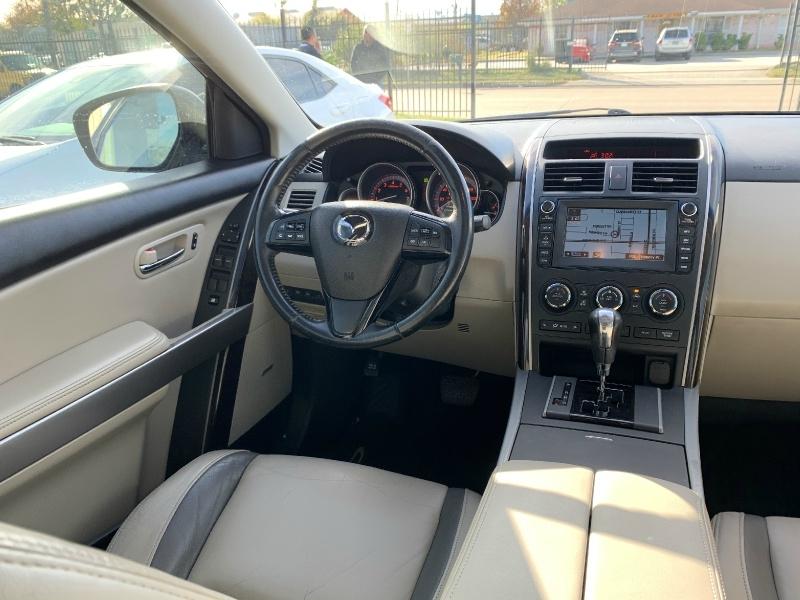 Mazda CX-9 2010 price $7,490