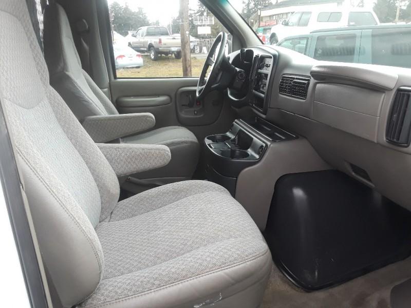 Chevrolet Express Van 2000 price $5,295