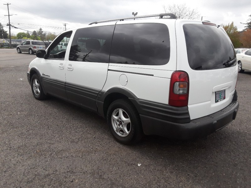 Pontiac Montana 2004 price $2,495