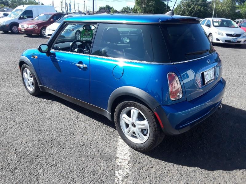 Mini Cooper Hardtop 2006 price $4,995