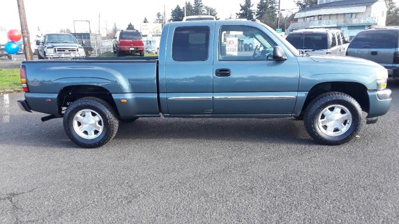 GMC Sierra 1500 2005 price $8,495