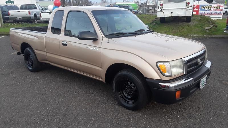 Toyota Tacoma 2000 price $3,995