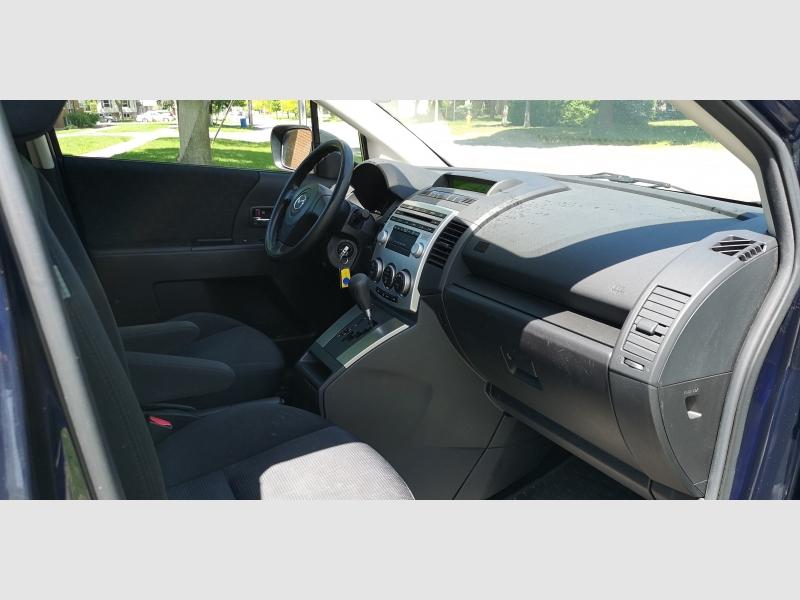 Mazda Mazda5 2009 price $3,990