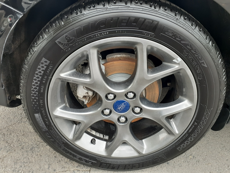 Ford Focus 2013 price $7,499