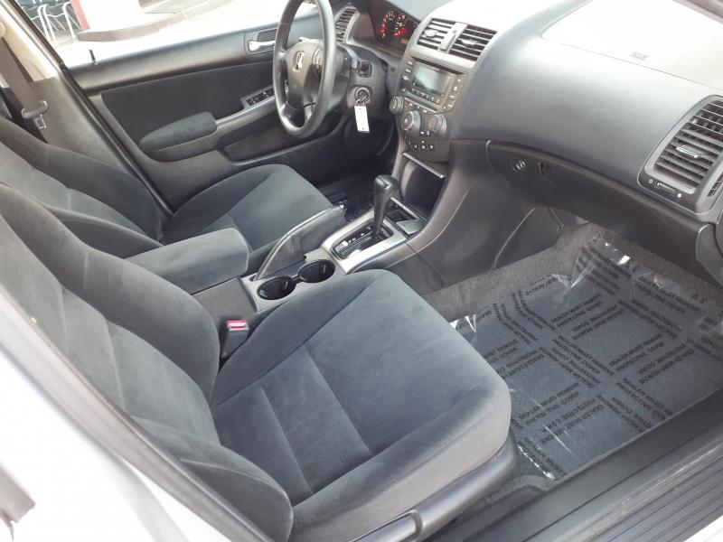 Honda Accord Sdn 2005 price $7,499