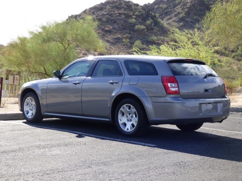 Dodge Magnum 2005 price $3,995