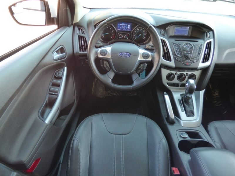 Ford Focus 2013 price $9,995