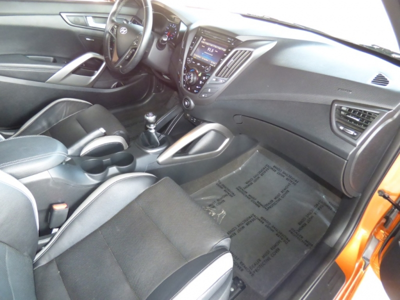 Hyundai Veloster Turbo 2016 price $16,499