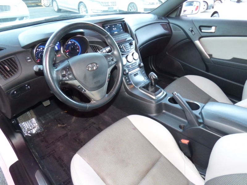 Hyundai Genesis Coupe 2016 price $18,649