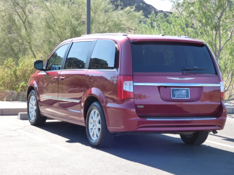 Chrysler Town & Country 2015 price $9,895