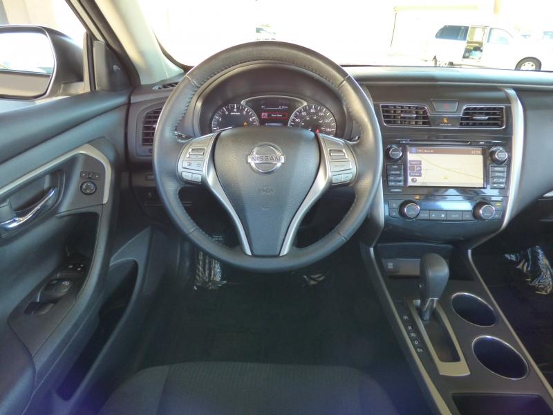 Nissan Altima 2015 price $11,994