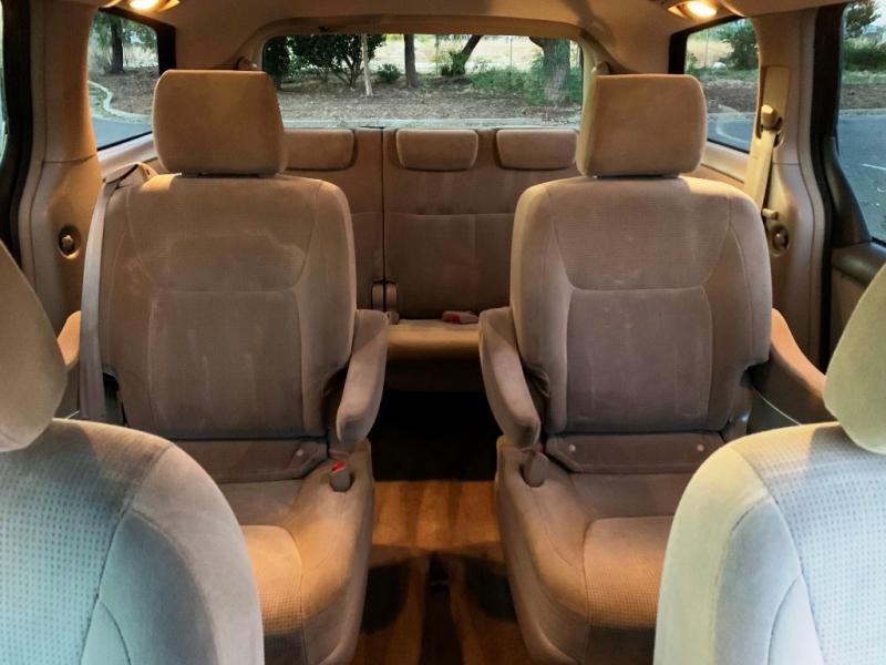 Toyota Sienna 2005 price $5,900