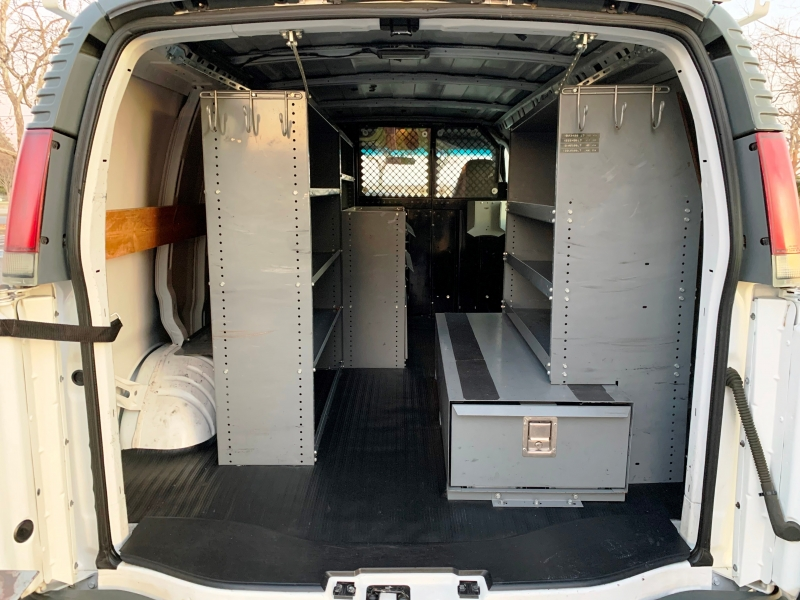 Chevrolet Express Cargo Van 2002 price $6,950