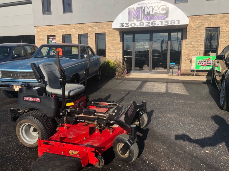 KAWASAKI GRAVELY MOWER 2011 price $4,600