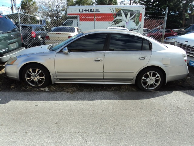 Nissan Altima 2002 price $399