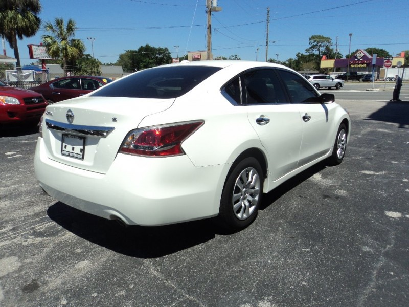 Nissan Altima 2015 price $13,495