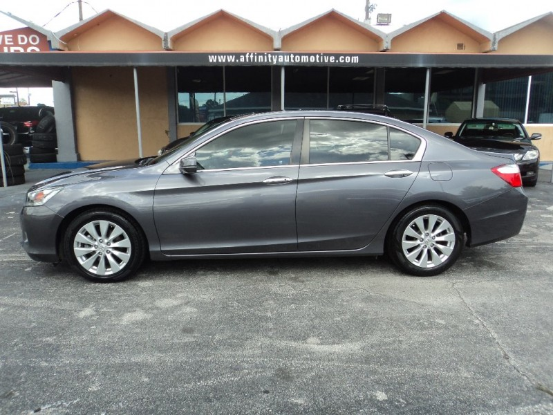 Honda Accord Sedan 2015 price $17,995