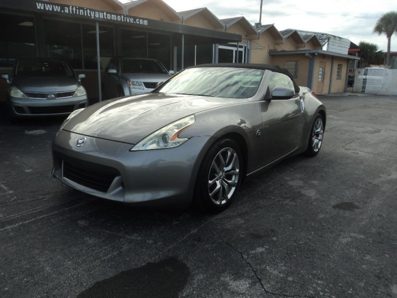2010 Nissan 370Z 2dr Roadster Auto Touring