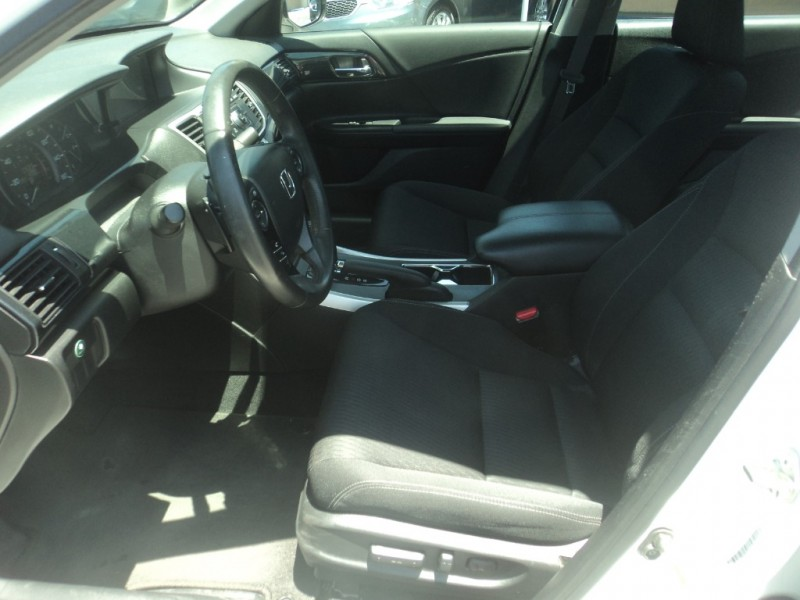 Honda Accord Sedan 2015 price $12,995