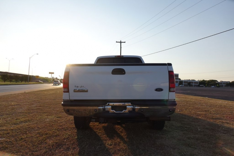 Ford F250 2006 price $9,995