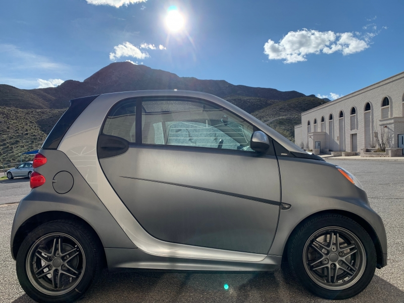 Smart fortwo 2013 price $5,825
