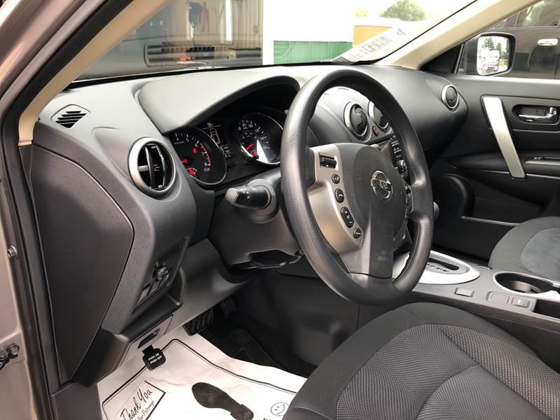 Nissan Rogue Select 2015 price $14,250
