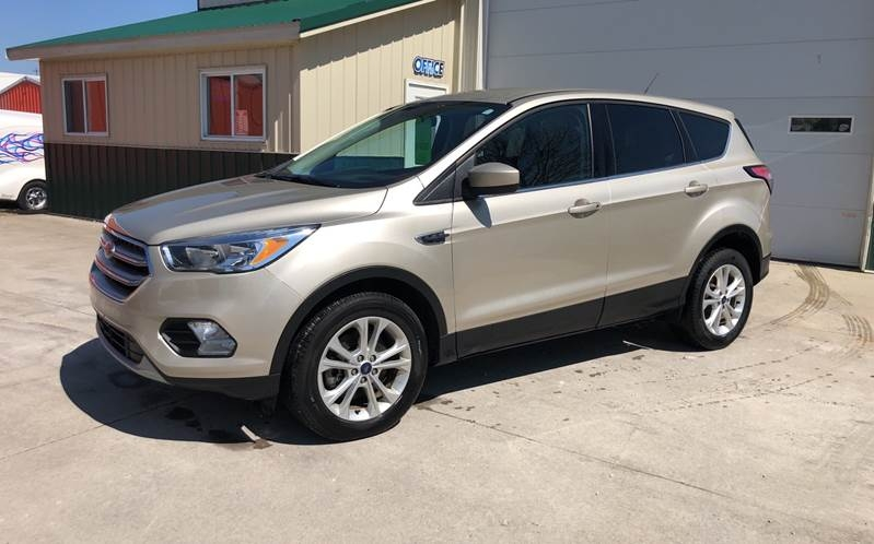 Ford Escape 2017 price $14,600