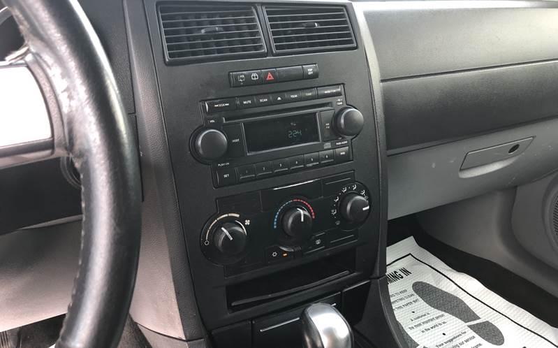 Dodge Magnum 2005 price $3,500