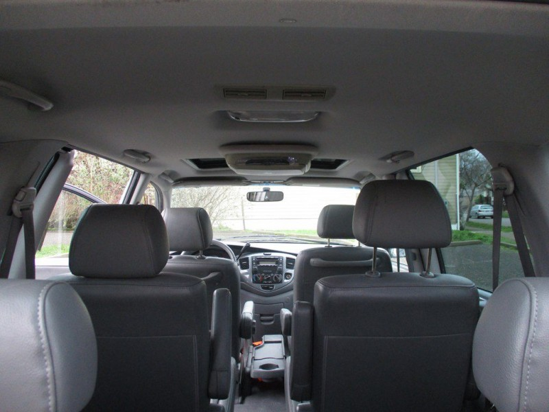 MAZDA MPV 2005 price $4,000
