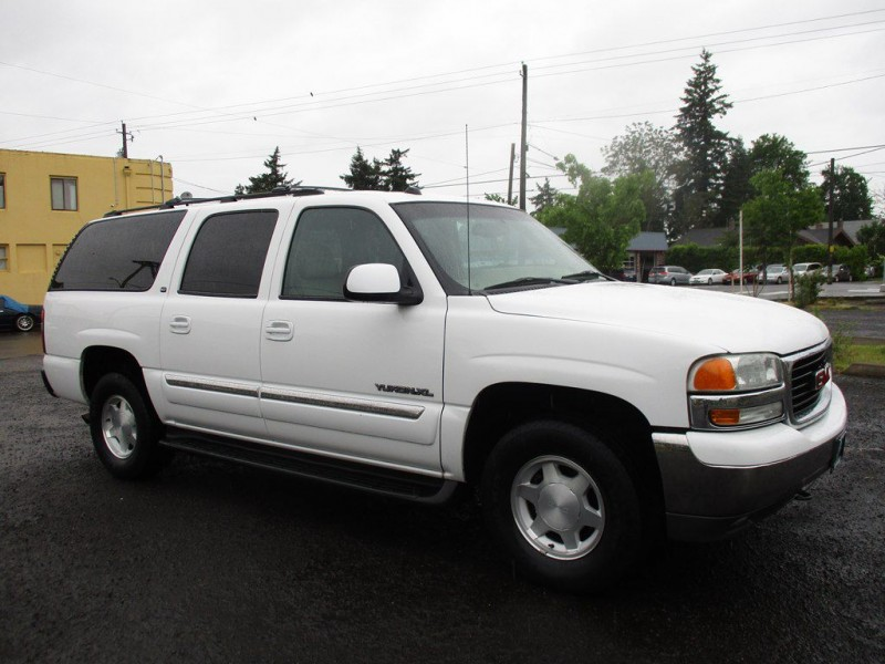 GMC YUKON XL 2004 price $3,999