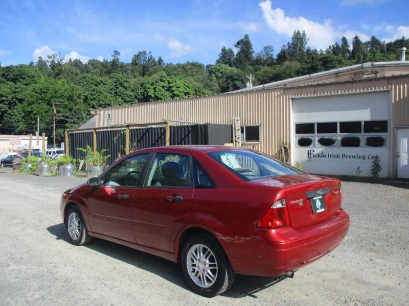 FORD FOCUS 2005 price $1,900