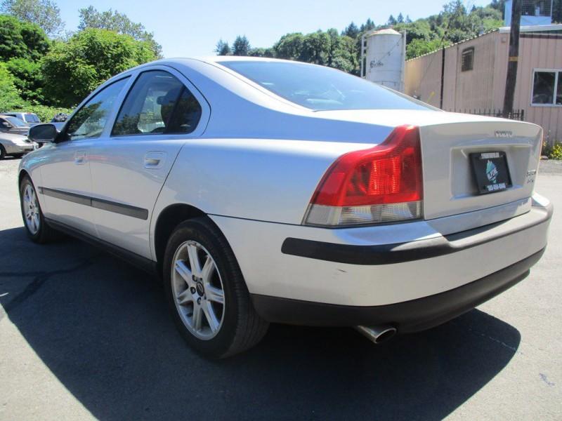 VOLVO S60 2002 price $4,500