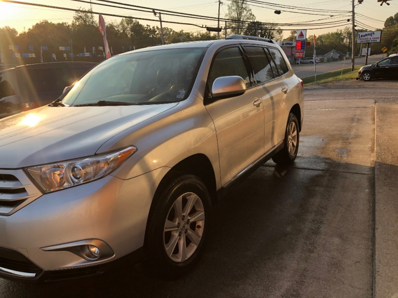 Toyota Highlander 2012 price $11,900