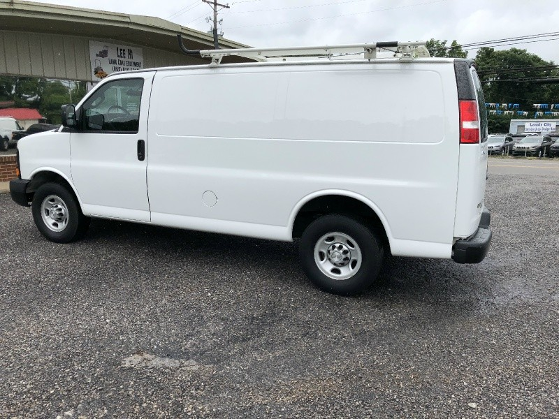 Chevrolet Express Cargo Van 2016 price $18,600