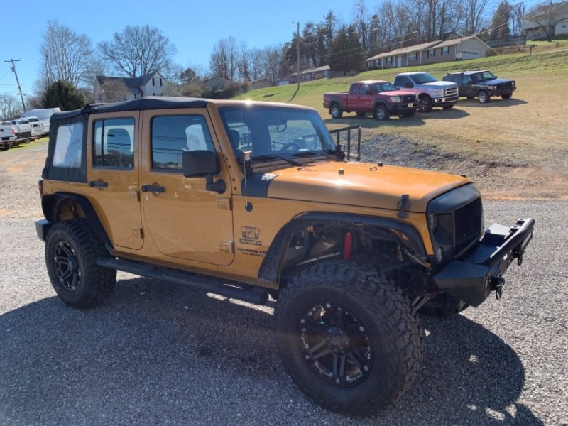 Jeep Wrangler Unlimited 2014 price $20,900
