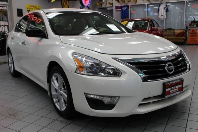 2013 Nissan Altima 2.5 SV 4dr Sedan