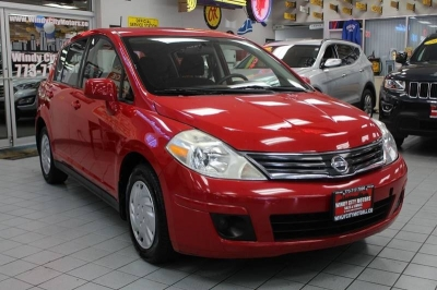 2011 Nissan Versa 1.8 S 4dr Hatchback 4A