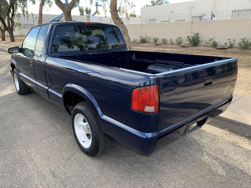 CHEVROLET S10 2000 price $3,599