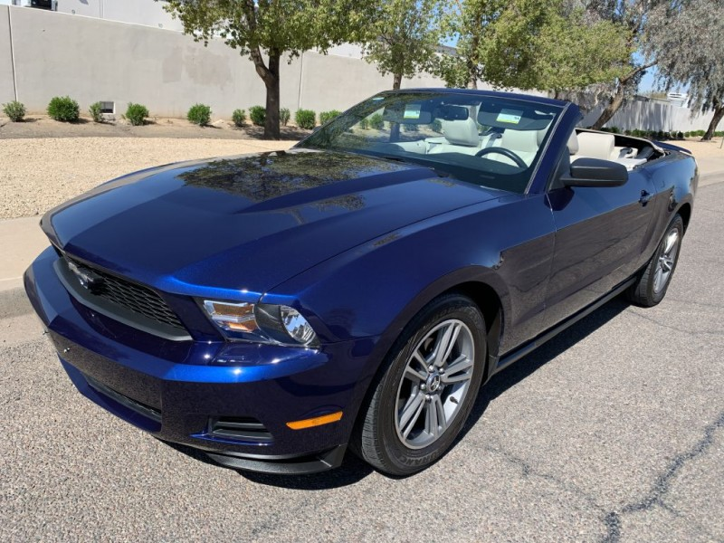 FORD MUSTANG 2010 price $8,799