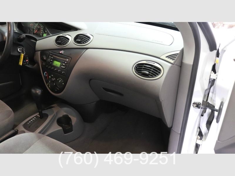 Ford Focus 2002 price $2,999