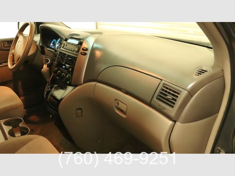 Toyota Sienna 2010 price $8,999